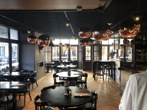 Glazen binnenwanden restaurant | Bestisol Harderwijk